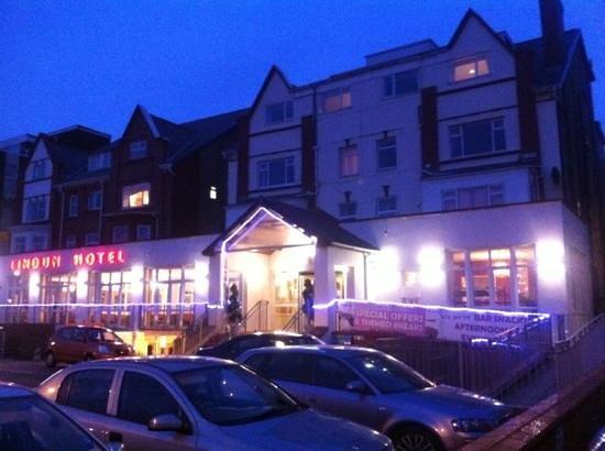The Lindum Hotel:                   dusk @ the Lindum