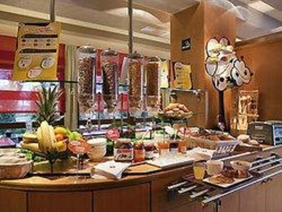 Ibis Creil sur Oise : Le buffet Petit déjeuner