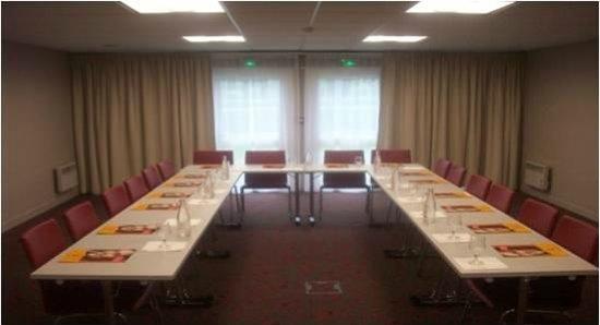 Ibis Creil sur Oise : Salle de réunion