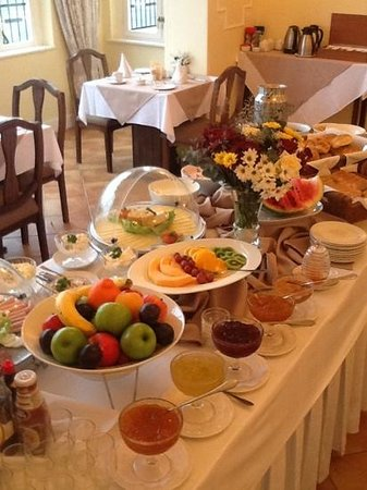 Hotel Eberwein:                   Breakfast