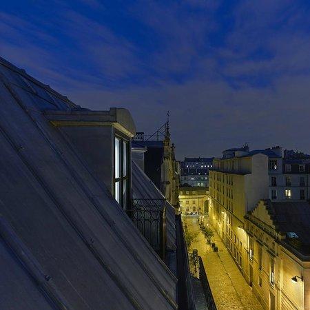 Hotel De Nell: Vue sur les toits de Paris