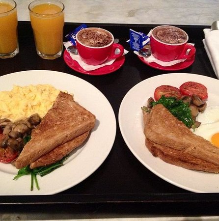 Establishment Hotel :                   Room service breakfast - delish