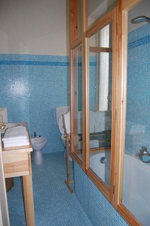 B&B Via Stampatori:                   il bagno