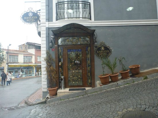 Basileus Hotel:                                                       Eingang
