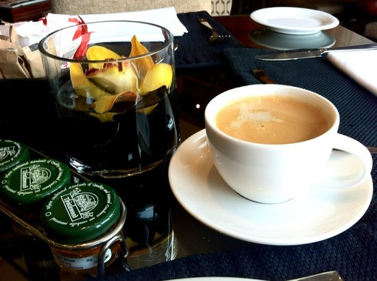 Hyatt Regency Johannesburg:                   Coffee on executive floor lounge