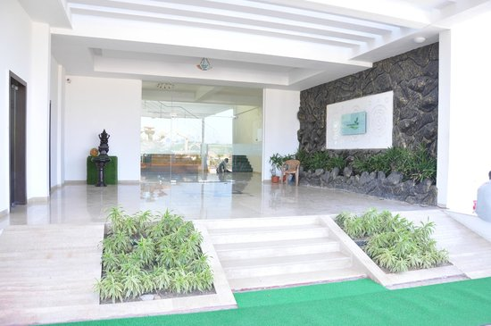 Goverdhan Greens Resort: Entry Foyer