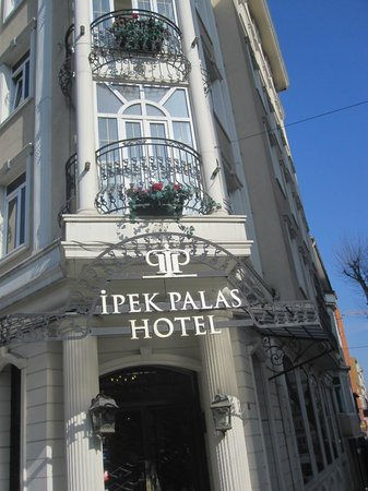 Hotel Ipek Palas: Πρόσοψη ξενοδοχείου
