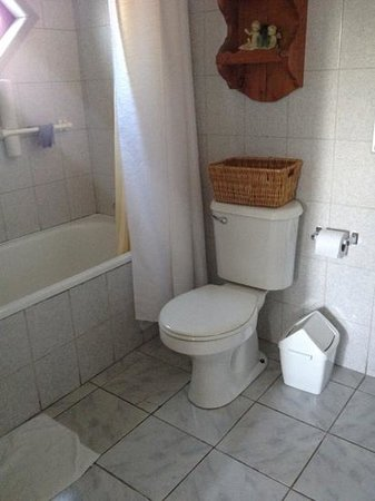Hostal Entre Rios:                   baño