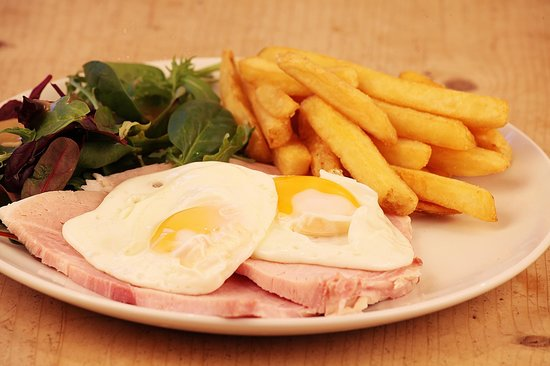 Steff's Kitchen: Ham, egg and chips