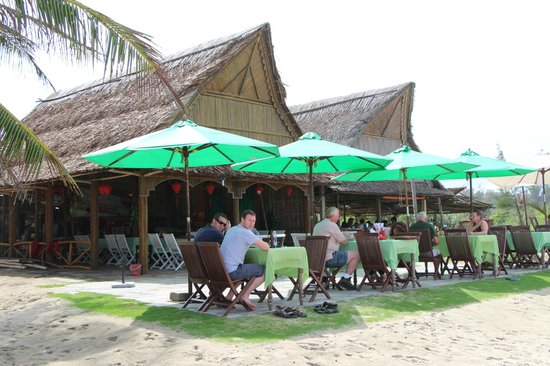 Cua Dai Beach:                   Our stopping place for lunch