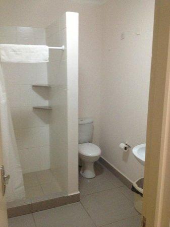 Residence Praslinoise :                                     Bathroom
