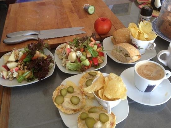 Deli on The Hill:                   lunch is served !!