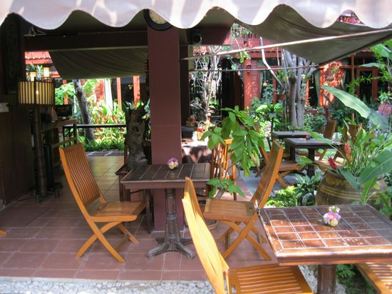 Ruenkanok Thai House: Frühstücksgarten