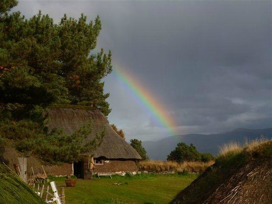 Highland Folk Museum: Rainbow over the 1700s Township