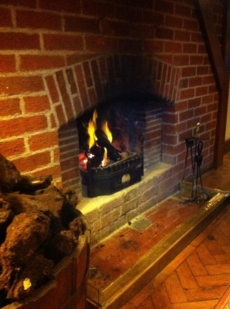 Renvyle House Hotel:                   One of the many turf fires around the hotel.