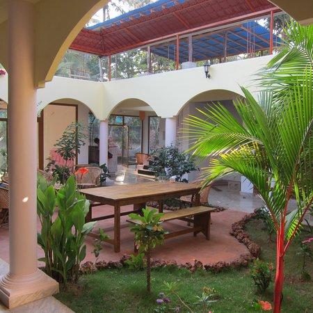 Ashiyana Cliff & Beach Resort:                                     courtyard