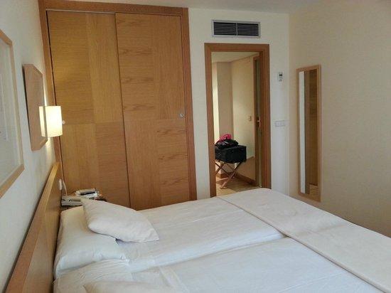 Gran Hotel Victoria:                   412