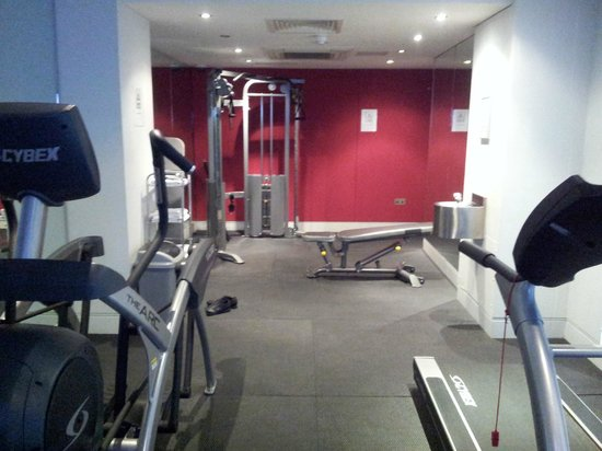 Park International Hotel:                   The gym