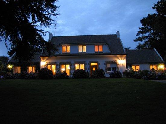 La Villa les Hortensias : villa les hortensias de nuit nuit