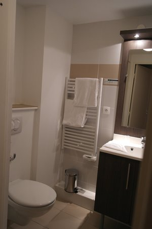 Adagio Access Marseille Saint Charles : Salle de bain