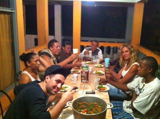 Central Backpackers Quepos: Una cena muy agradable