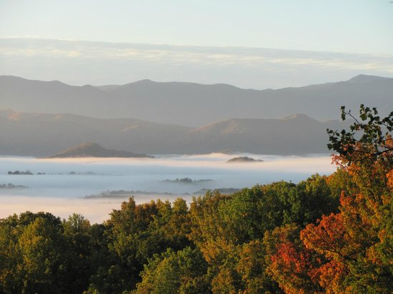 Christopher Place Resort: Smokey Mountains are all you see