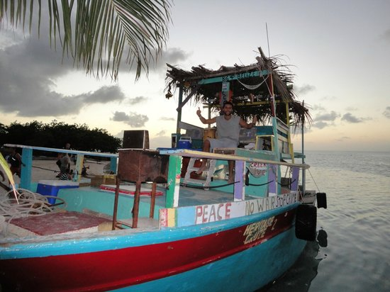 Caye Caulker: ONE LOVE BOAT