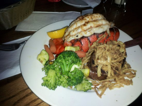 Comfort Inn Easton:                   excellent location for some of the best food! Marblehead Chowder House is a ne