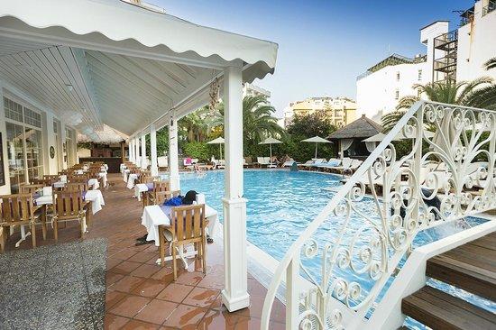 Hawaii Hotel: pool area