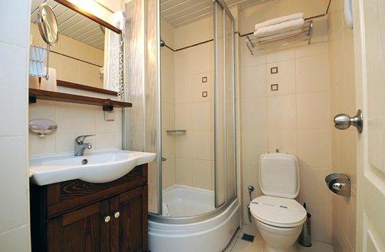 Hawaii Hotel: Bathroom, shower cabinet