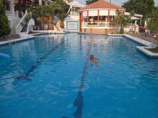 Samos Sun Hotel:                   piscina