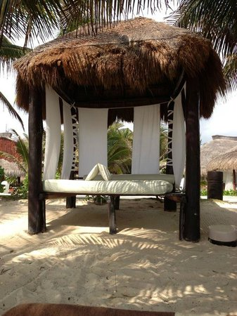 El Dorado Casitas Royale, by Karisma:                   The beach bed.  A perfect nap spot!