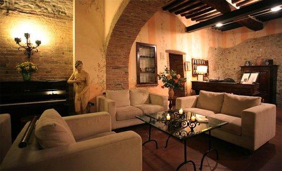 Villa Curina: Lobby
