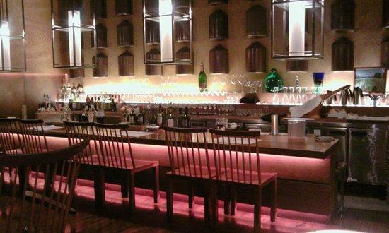 Ginzanamiki Street Wine Bar Nana
