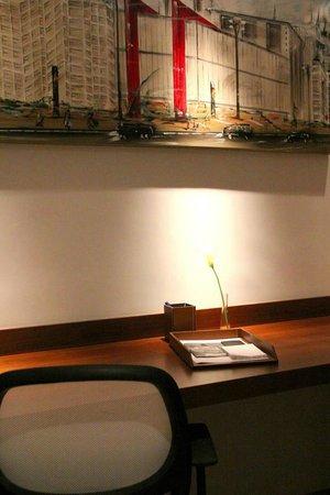 H3 Hotel Paulista: Apartamento Superior - área de trabalho