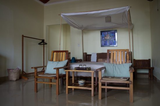 Bamboo Cottages & Restaurant:                   Our room
