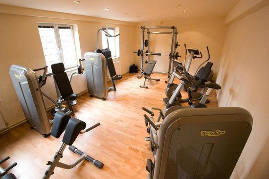 Landgasthof Dorflinde Grasellenbach: Gym room located nearby in the Partnerhotel (included)