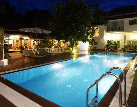 Skyline Boutique Hotel: Swimming Pool