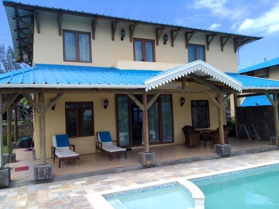 Orchid Villas Mauritius:                   villa & swimming pool