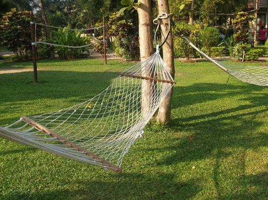 โอเรียนทอลแคว รีสอร์ท:                   Garden Hammok