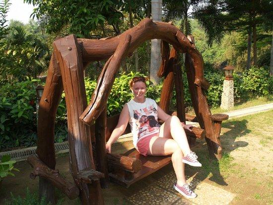 Oriental Kwai Resort:                   Garden swing seat