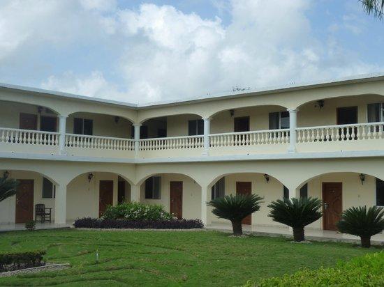 Tony's Inn & Beach Resort:                   Tonys Inn - Corozal Belize