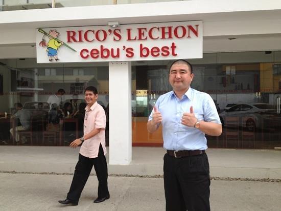 Rico's lechon:                   My happy guest. :)