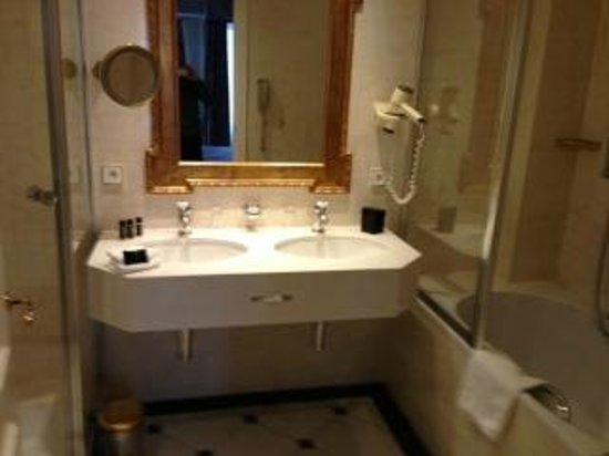 Stanhope Hotel:                   Magnifique Salle de bains