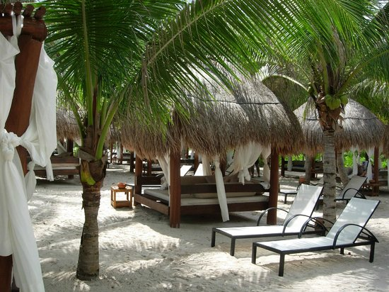 TRS Yucatan by Palladium:                                     Cama Balinesa
