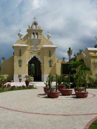 TRS Yucatan by Palladium:                                     Capilla
