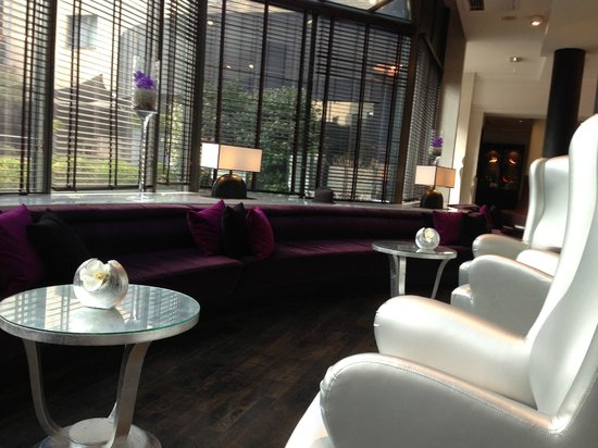Sofitel Brussels Le Louise:                   SEATING AREA RECEPTION