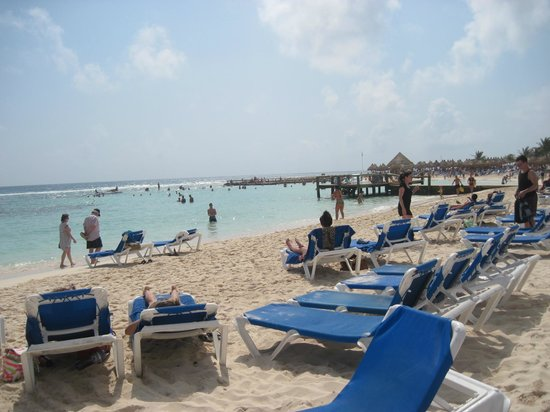 Grand Bahia Principe Coba:                   Beautifull beach