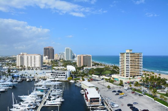 Bahia Mar Fort Lauderdale Beach - a Doubletree by Hilton Hotel:                   View from 10th floor north side of main hotel building