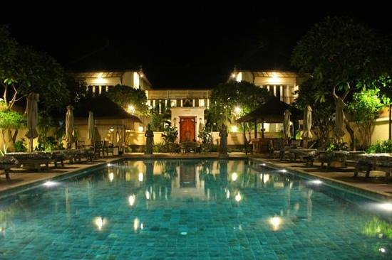 Puri Mas Boutique Resort & Spa:                                     pool